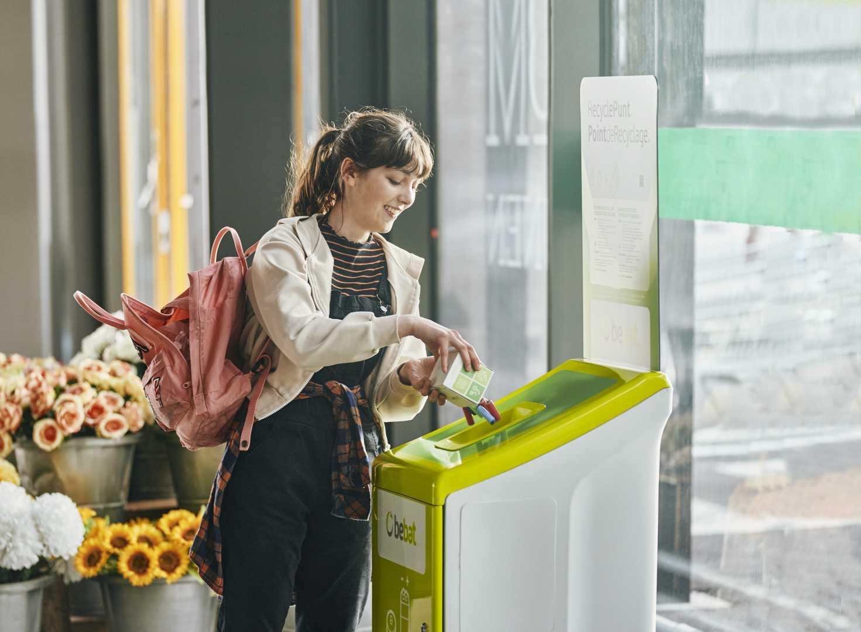 Batterijen binnenbrengen supermarkt