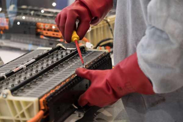 Autotechnica ontmanteling batterij